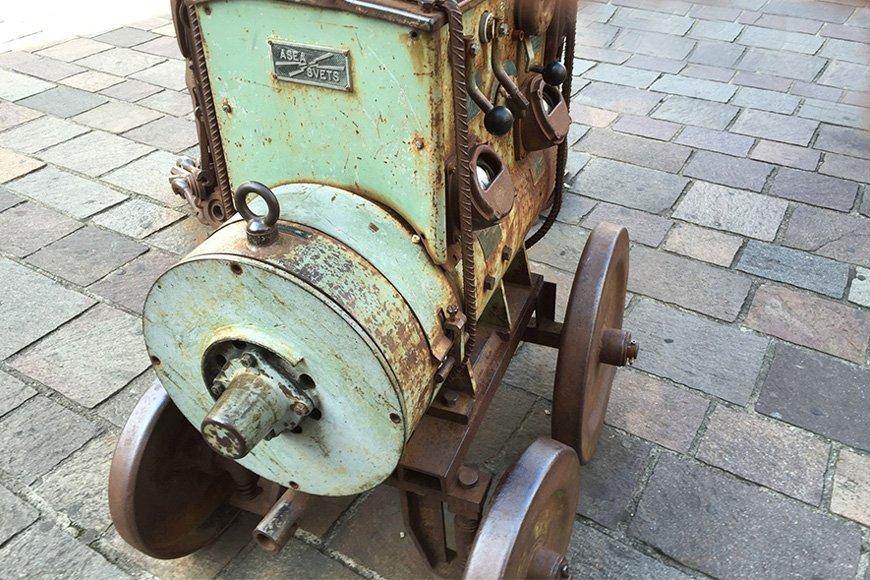 Découverte Vintage : Ancienne génératrice ASEA